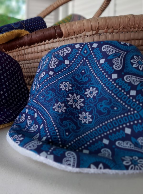 bandana bib_Kate M fabric_cotton towel of white colour_close-up