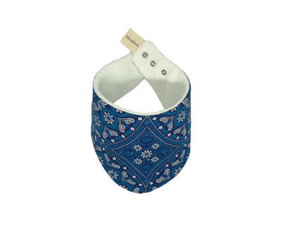 Wonderlands_baby gift_handmade bandana bib_Blue & white rosette_Three Cats shweshwe_cotton towel of white colour_closed